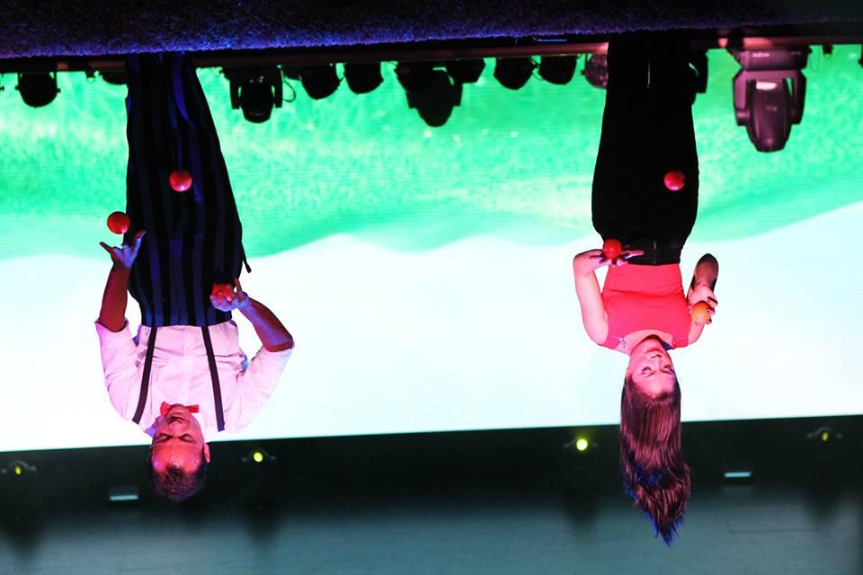 Fabio & Clara upside down